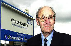 Dr Richard Taylor MP outside Kidderminster Hospital